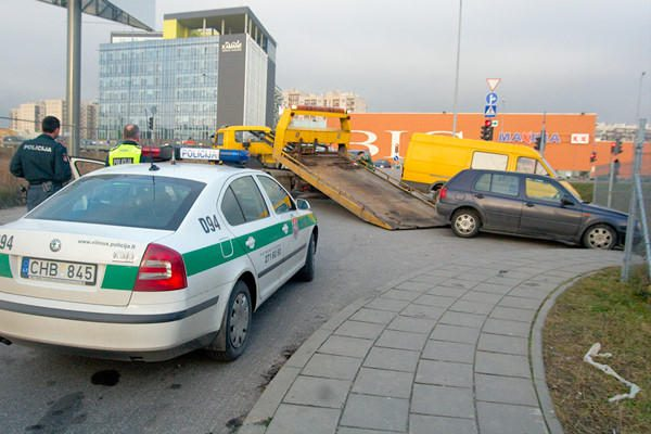 Vilniuje siautėjo girtas golfo vairuotojas