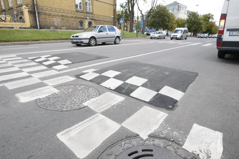 Gyventojai prašė panaikinti kalnelį Sportininkų gatvėje