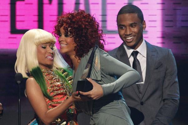 Rihanna pademonstravo naują įvaizdį