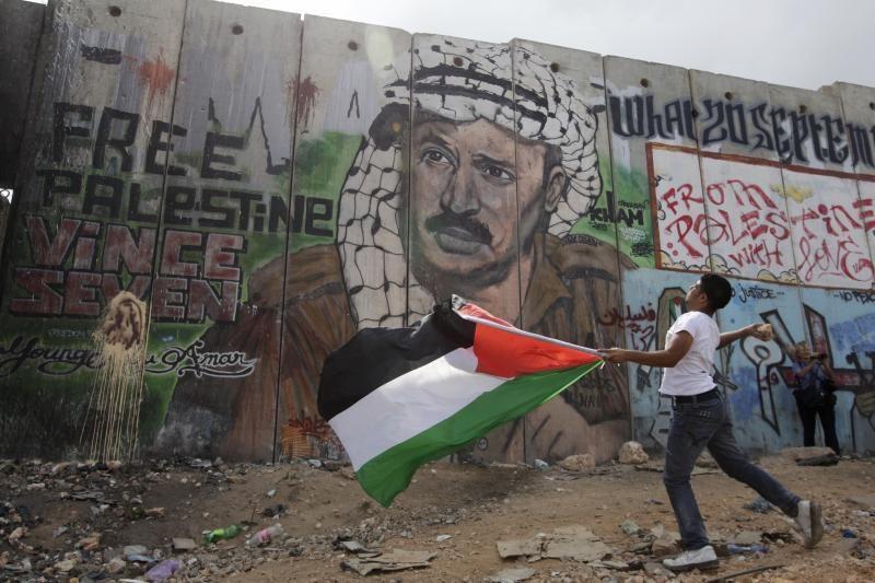 Išdavė arešto orderį velionio palestiniečių lyderio Arafato našlei
