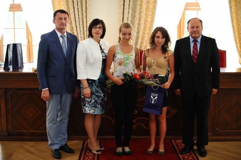 Kauno miesto abiturientai gavo 133 šimtukus, rajono – 12