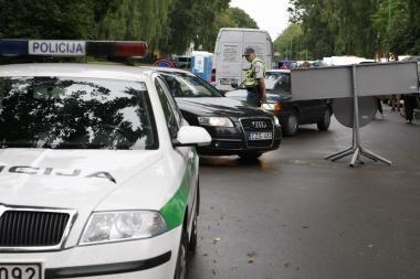 Girtas vairuotojas mėgino papirkti policininkus