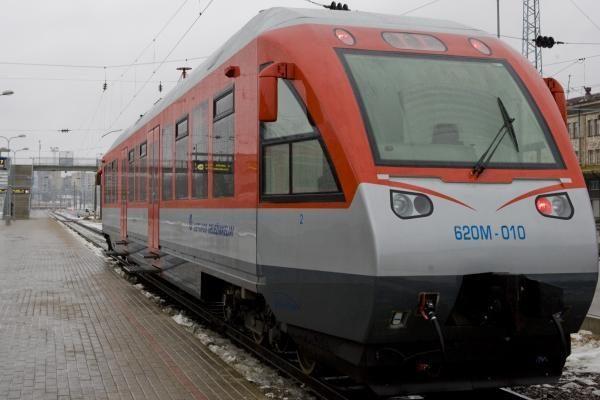 Susisiekimo traukiniais tarp Vilniaus ir Kauno nebus bent iki 23 val.
