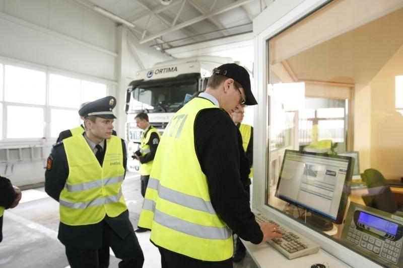 Vilkikų vairuotojų baubas - kontrolės postas dirba be poilsio valandų