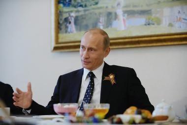 Putinas atsisakė pabranginti degtinę esant krizei