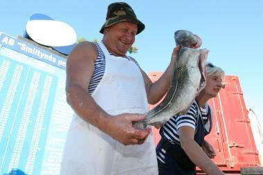 Pirkti žuvies - į Danės krantinę