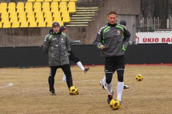 Lietuvos ir Ispanijos futbolininkai išbandė stadioną