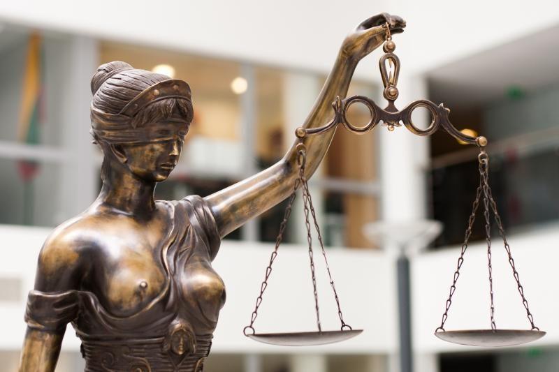 Nustatė trūkumų dviejų teisėjų veikloje, bet drausmės bylų nekėlė