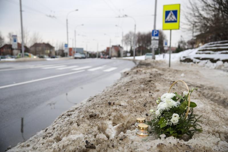 Mirtis pėsčiųjų perėjoje: moterį partrenkė apgirtęs 18-metis