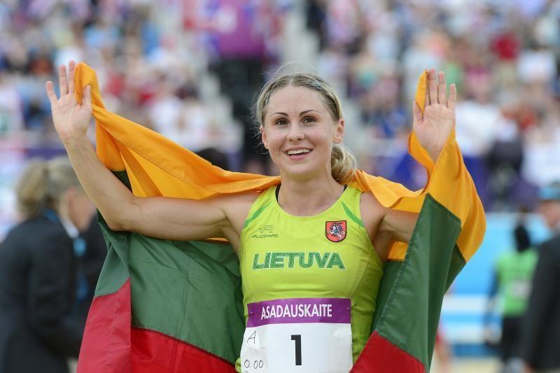 Prezidentė valstybinius apdovanojimus skyrė dar trims olimpiečiams