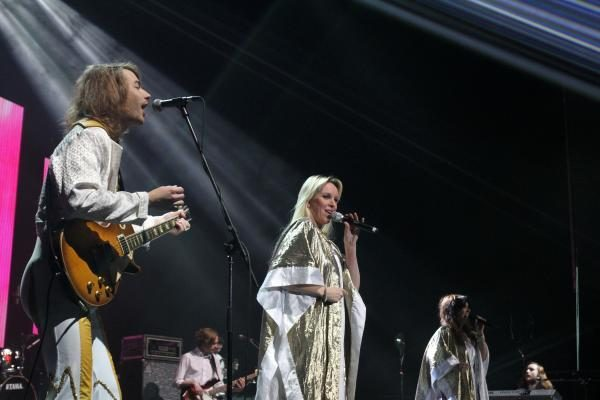 """Naujieji """"Žalgirio"""" arenoje: kauniečiai šėlo su ABBA šou"""