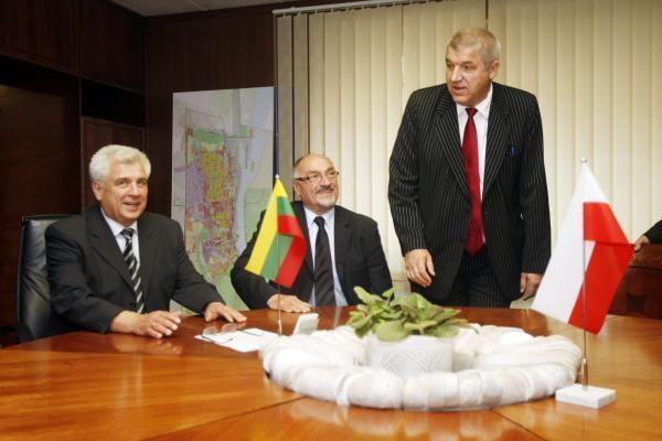 Lietuvos ir Lenkijos uostai sutarė bendradarbiauti (papildyta)