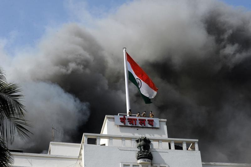 Indijoje Maharaštros vyriausybės pastate kilo didžiulis gaisras