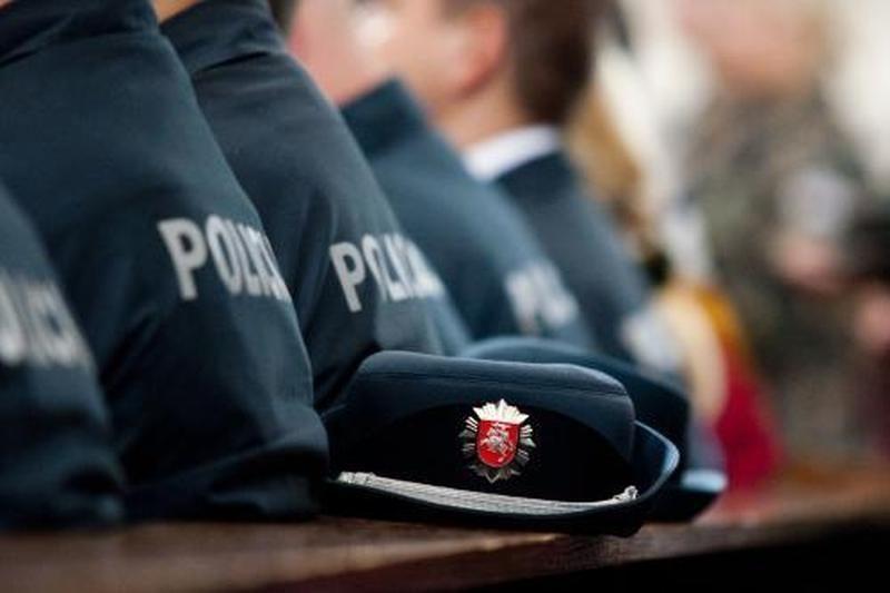 Kyšio reikalavę Kauno policininkai paklos tūkstantines baudas