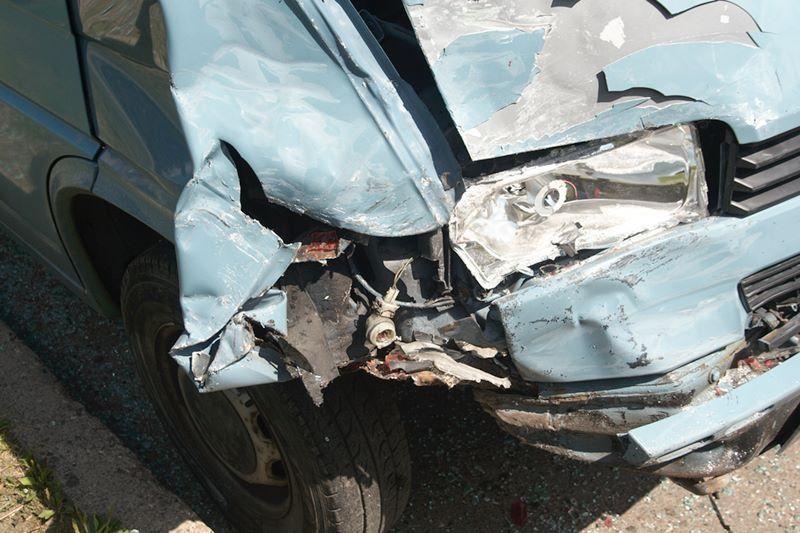 Sąmonę praradęs vairuotojas Šeškinėje taranavo automobilį