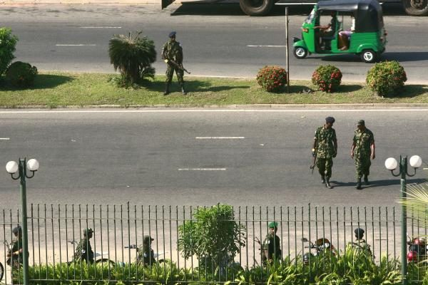 Šri Lanka: kariai apsupo kandidato į prezidentus būstinę