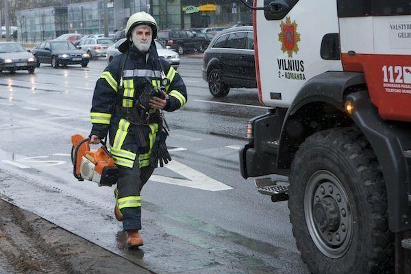 "Vilniuje degė statomas ""Swedbank"