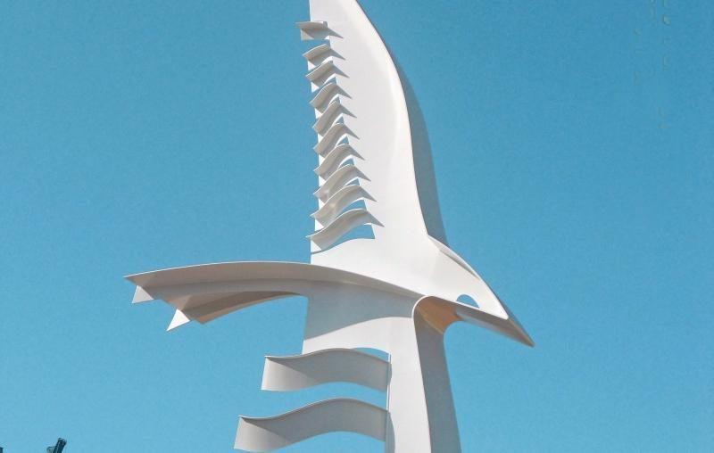 """Klaipėdoje iškilo paminklas """"Albatrosas"""""""