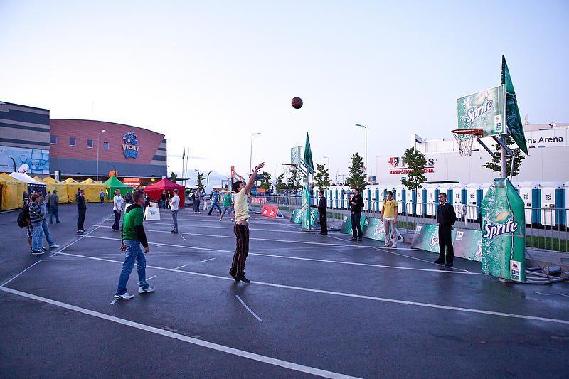 Prieš rungtynes: krepšinio fanų zonoje - pergalingos nuotaikos
