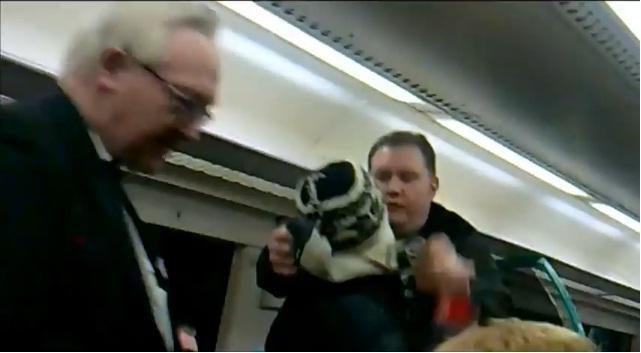 """Škotijoje traukinio keleivis pamokė """"zuikį"""""""