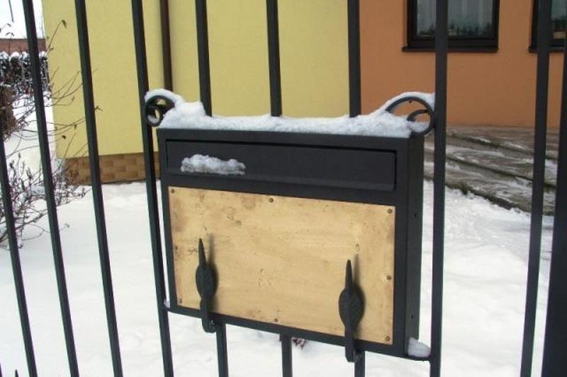 Neringiškiams - valdžios raginimas nuimti surūdijusias pašto dėžutes
