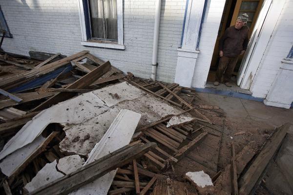 Čilėje per žemės drebėjimą žuvo mažiausiai 122 žmonės (papildyta)
