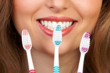 Žmogaus evoliucijos posūkis: vietoj sukirmijusių ar išmuštų dantų išaugtų nauji