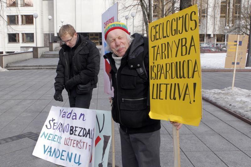Skalūnų priešininkų dūzgės V.Kudirkos aikštėje: už Lietuvą be košmarų!