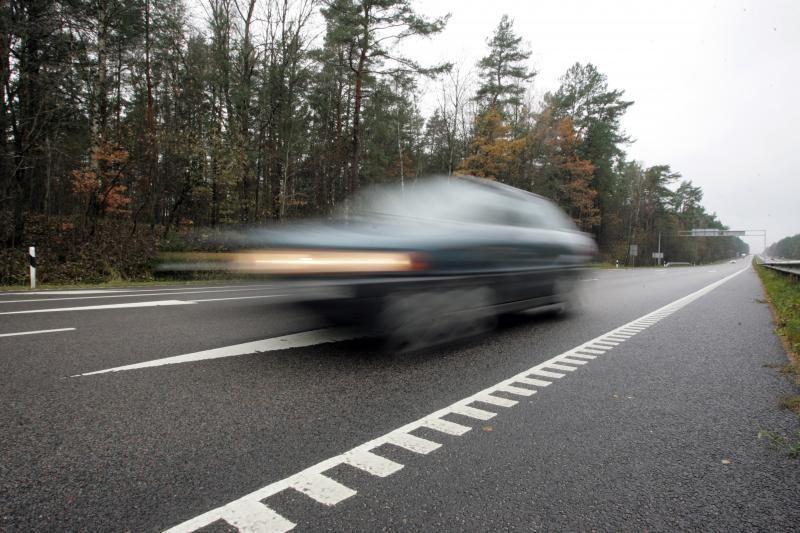 Automagistralėse vėl galima važiuoti 130 km/h greičiu