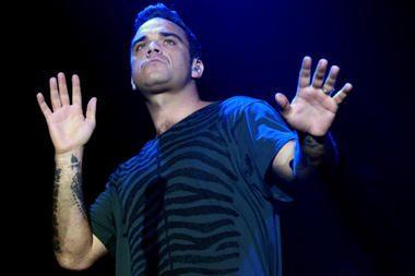 """Pilnos sudėties britų grupė """"Take That"""" surengs pirmą koncertinį turą Europoje"""