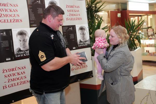Ž.Savickas: A.Schwarzeneggeriui nuvežčiau lietuvišką knygos versiją