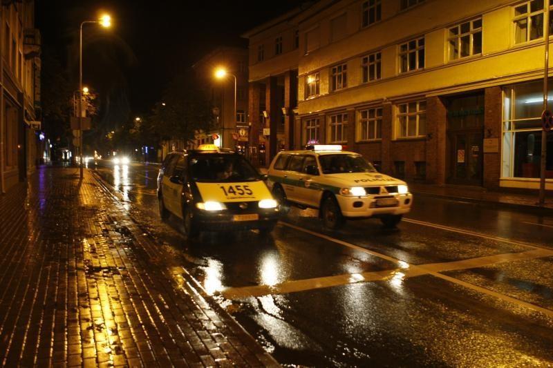 """Klaipėdiečiai po pergalės kukliai miesto gatvėse skandavo """"Lietuva!"""""""