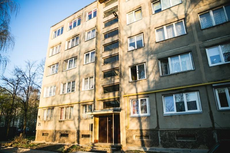 Pavojingas gaisras Partizanų gatvėje kilo dėl vaikų pokštų?
