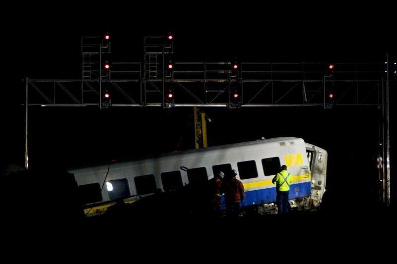 Kanadoje nuo bėgių nuvažiavo traukinys, žuvo trys žmonės