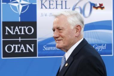 """V.Adamkus: """"NATO turi nuolatos pežiūrėti politiką su Rusija"""""""