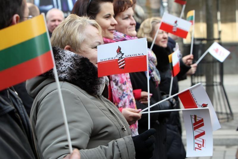 Lenkijos lietuviai ESBO komisarui sakė nesijaučiantys saugūs