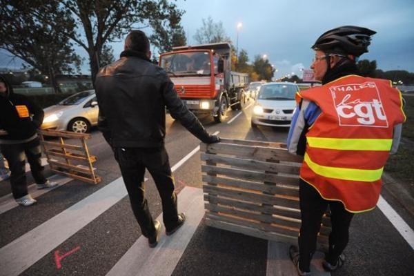 Prancūzijos oro uostų darbas dėl streikų antradienį smarkiai sutriks