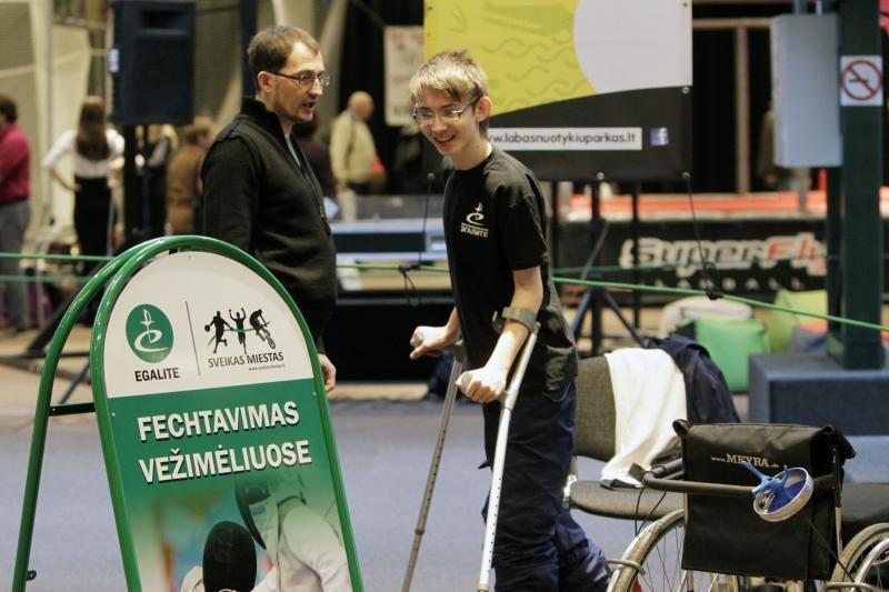 Naujiena Lietuvoje – neįgaliųjų fechtavimo vežimėliuose sportas