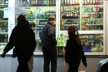Bažnyčios atstovai ragina politikus nepritarti alkoholio prekybos liberalizavimui