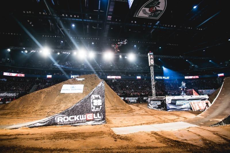 """""""Žalgirio"""" arenoje – įspūdingi motociklininkų šuoliai"""
