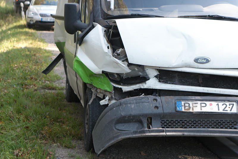"""""""Subaru"""" vairuotoja: važiuoti plentu 40 km/val. greičiu nedraudžiama"""