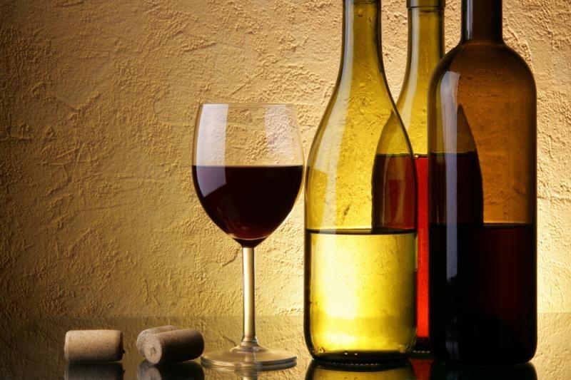 """Ar serialas """"Vyno kelias"""" nepažeis Alkoholio kontrolės įstatymo?"""
