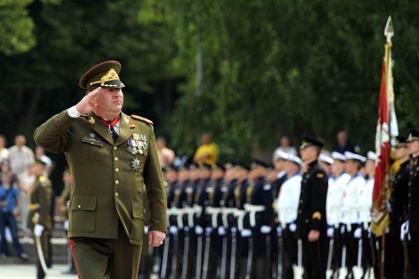 Buvęs kariuomenės vadas V.Tutkus įkliuvo vairuodamas neblaivus