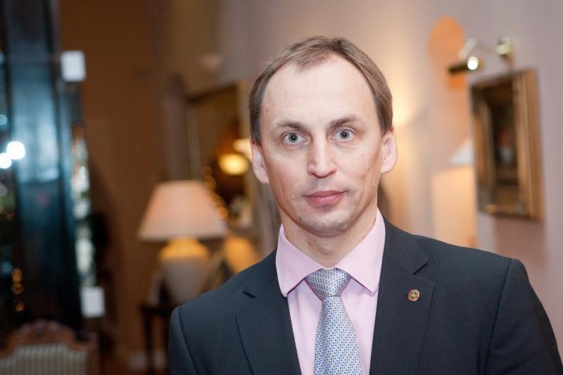 Areštuotas su buvusia pavaldine besibylinėjančio Ž.Plytniko turtas