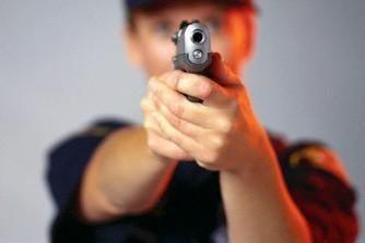 Šilutiškis policijoje švaistėsi ginklu