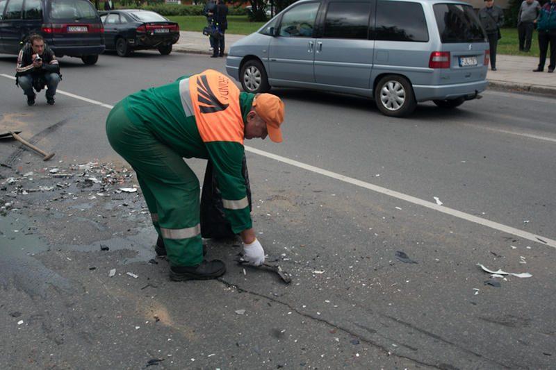 Vilniuje neblaivus jaunuolis sudaužė tris automobilius