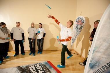 Su popieriniais lėktuvėliais keliaus į pasaulio čempionatą