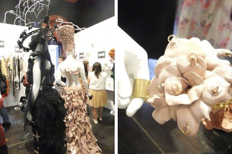 Londono mados savaitė: žiūrovus šokiravo suknelė iš jako spenelių