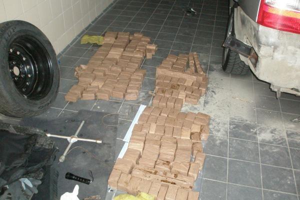 Pareigūnai per tris operacijas sulaikė 300 kg hašišo