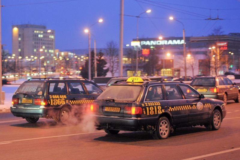 Vilniaus taksistai planuoja burtis į profsąjungą